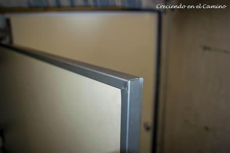 tapacanto puerta placard de un motorhome