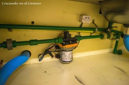 Como instalar una bomba de agua en una autocaravana