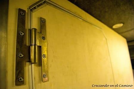 bisagras para colocar puerta de baño en un motorhome