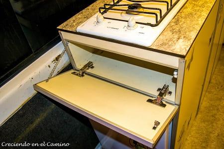 cajon de mueble de cocina de una casa rodante