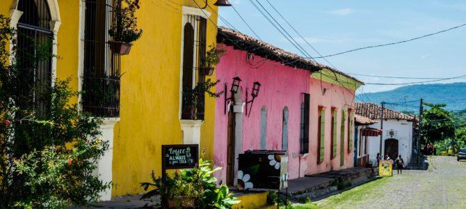 Suchitoto y San Vicente, nuestros primeros pasos por El Salvador!!!