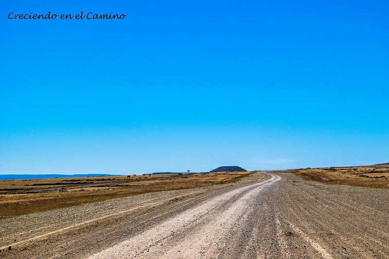 la ruta 40 en su máxima expresión.  tres lagos, argentina