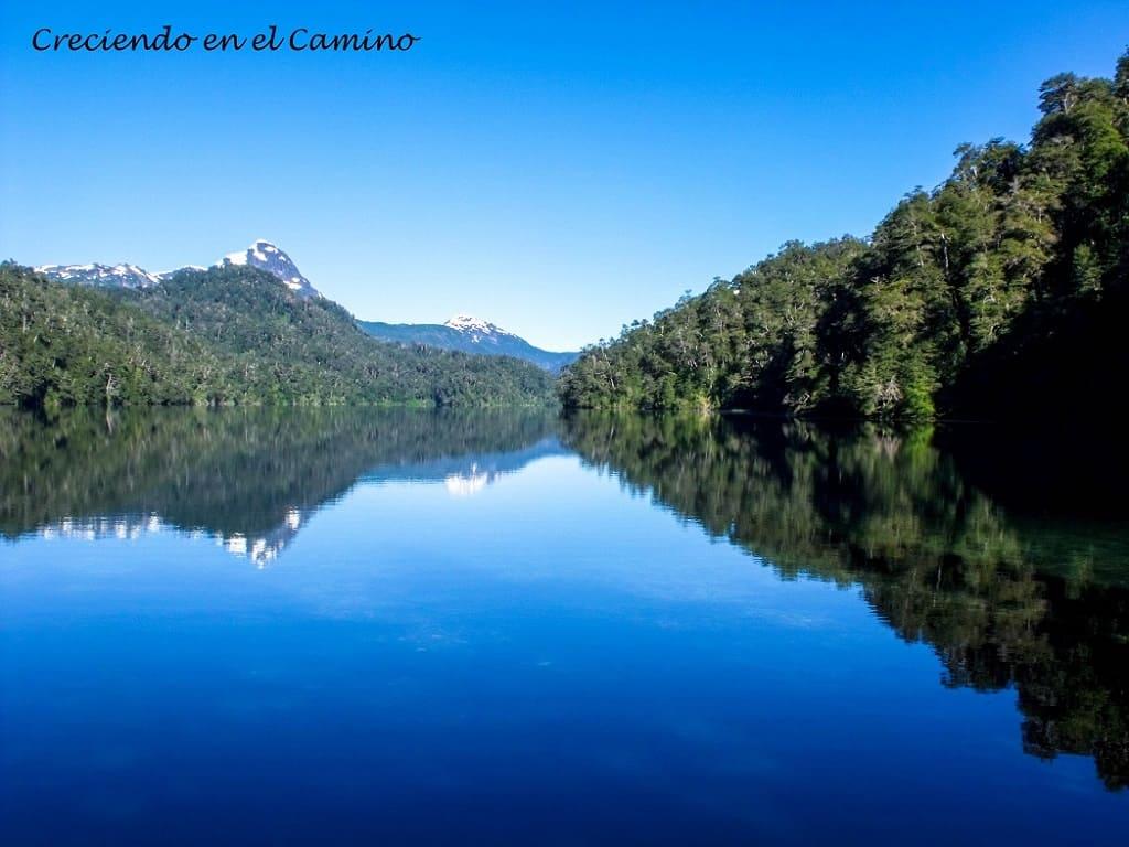 lago espejo chico, camino de los 7 lagos en neuquen argentina