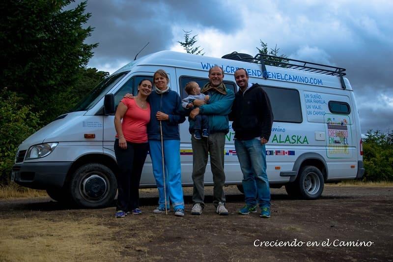 junto a amigos en camping la cascada parque nacional los alerces