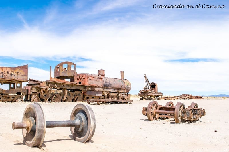 como visitar el cementerio de trenes en bolivia