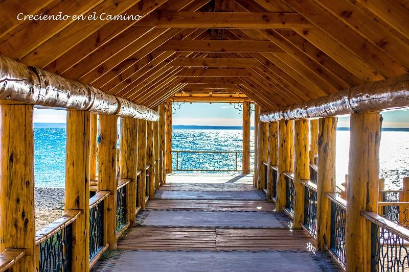 a orillas del lago buenos aires en los antiguos