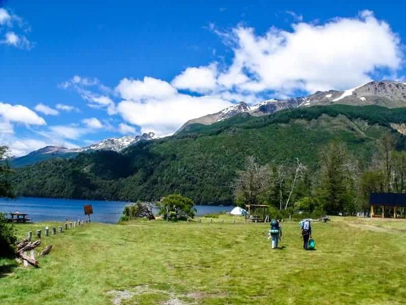 Lago Falkner, Camino 7 Lagos, Argentina.