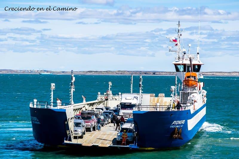 Cruzar en Ferry el Estreho de Magallanes