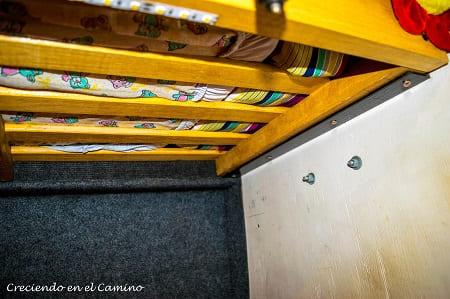 armando litera en una casa rodante