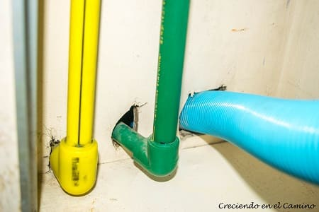 instalacion de agua en el baño de un motorhome