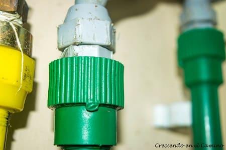 instalacion de gas en el baño de una casa rodante