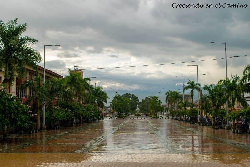 parque principal de buga, colombia