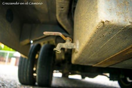 como hacer desagote de tanque de aguas grises en un motorhome