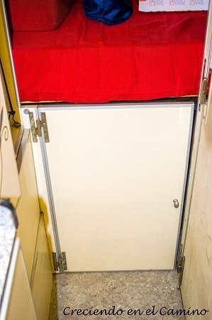 puerta terminada del baul de nuestra casa rodante
