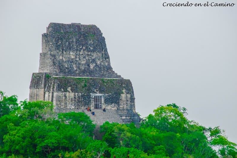vista de Plaza de la Gran Pirámide o mundo perdido, Tikal
