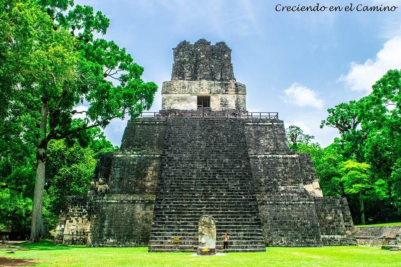 El Templo de los Mascarones, Tikal